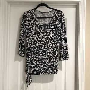 NWT Cable & Gauge B/W bottom tie tunic